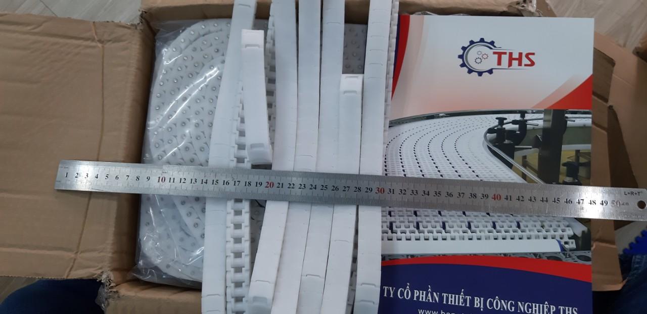 băng tải xích nhựa màu trắng bản 20mm