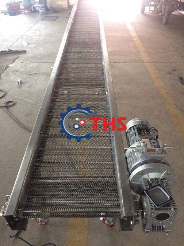 Băng tải inox sử dụng sên biên kéo của Công ty THS