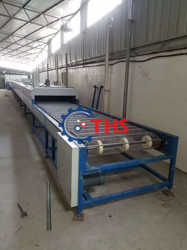 Băng tải inox sợi xoắn tại Công ty THS