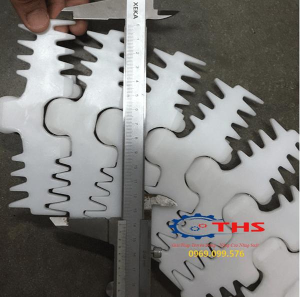 Các kích thước bản rộng tiêu chuẩn của băng tải xích nhựa xương cá