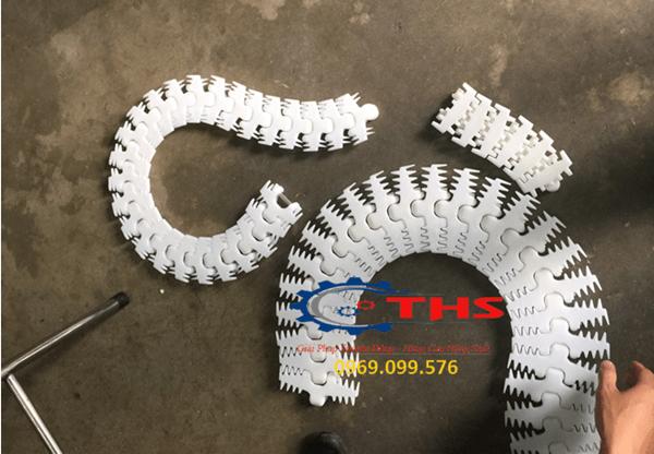 Băng tải xích nhựa xương cá mà Công ty THS đang cung cấp