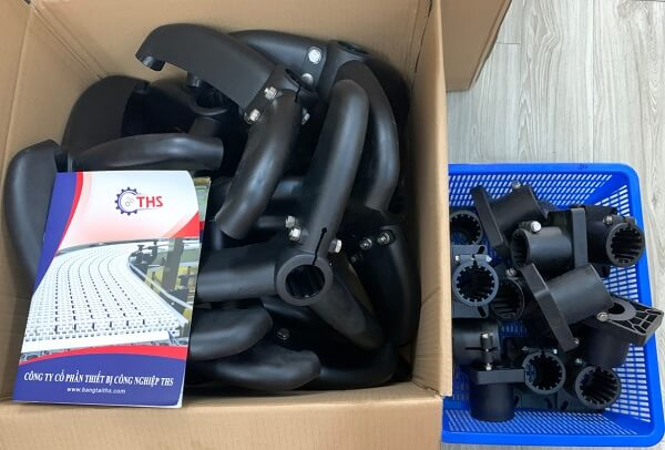 Chân đế băng tải loại ba chân là phụ kiện luôn có sẵn tại Công ty THS
