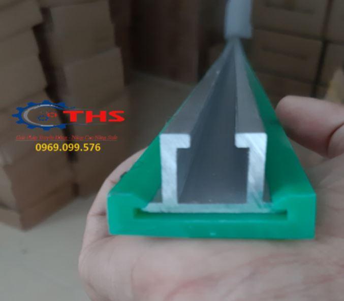 Điểm neoThanh dẫn hướng khung nhông được làm bằng nhựa HDPE chịu mài mòn